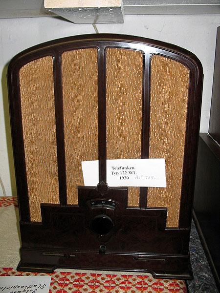 Verkaufe hier einen Konvolut an Radios 20-60er Jahre und Fernseher.